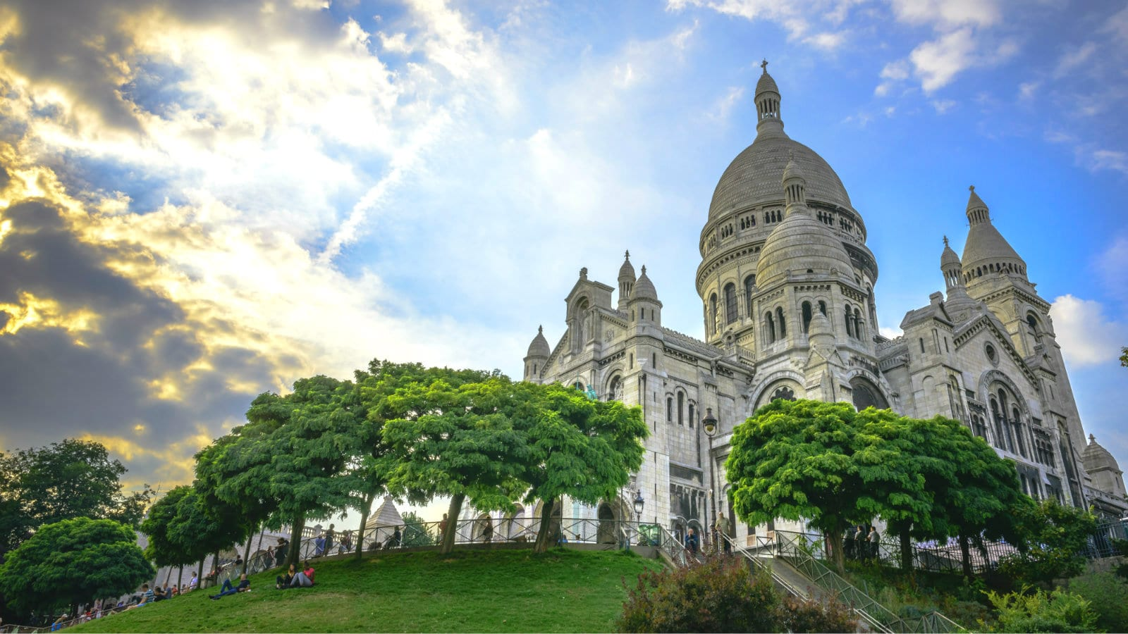 Must-See places in Paris 10